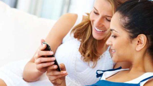 С чего начать разговор в интернете с девушкой – с чего начать диалог, т.е. разговор красиво и правильно, примеры фраз первых сообщений для знакомства в сети, что писать, как завести разговор в сети оригинально?