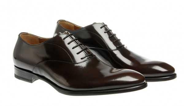 7315fc48b Дерби (The Derby) – туфли с открытой шнуровкой, в которых берцы нашиты  поверх союзки. Проще говоря – боковые стороны нашиты поверх передней части.