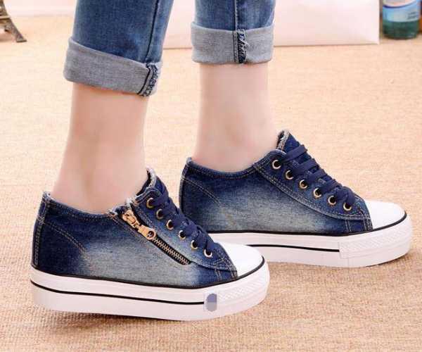 835ce57f2 Во-вторых, обувь нужно подбирать на полразмера больше своего. Это нужно  прежде всего для удобства. В таком случае в них можно пройти большое  расстояние.