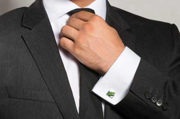 b4bb1b8929c Запонки на рубашке должны смотреться отменно в любой обстановке. Их просто  надо подбирать под разные случаи. Если предполагается их носить только для  ...