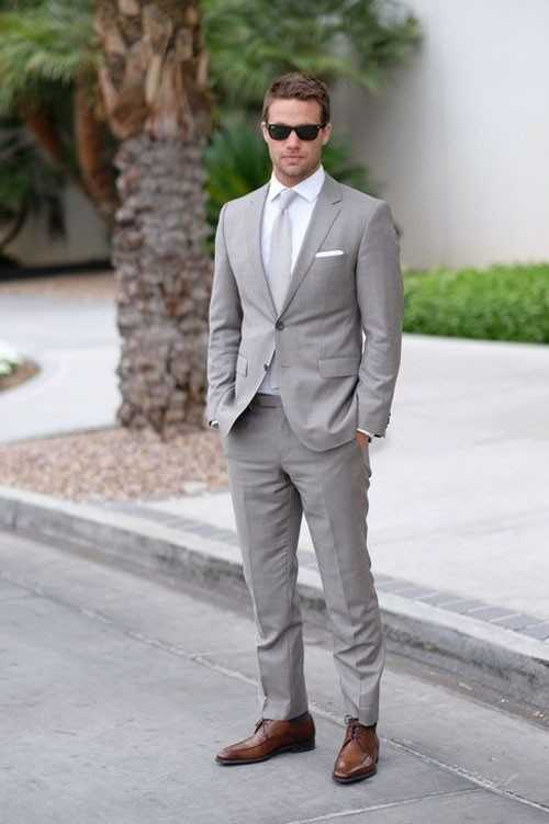 72e05bf07040 Данный вариант костюма подойдет стильному, уверенному в себе парню,  любящему никогда не умирающую классику.