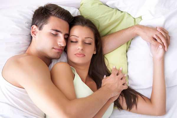 Жена спит с двумя фото, порно толстые большая грудь фото