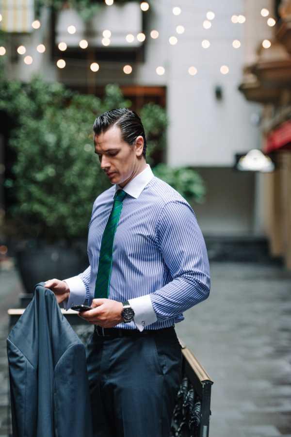 6c8ed418647 Немного экстравагантное наследие фильмов вроде «Уолл-Стрит» — по-прежнему  важный элемент power dressing в бизнесе. Рубашка ...