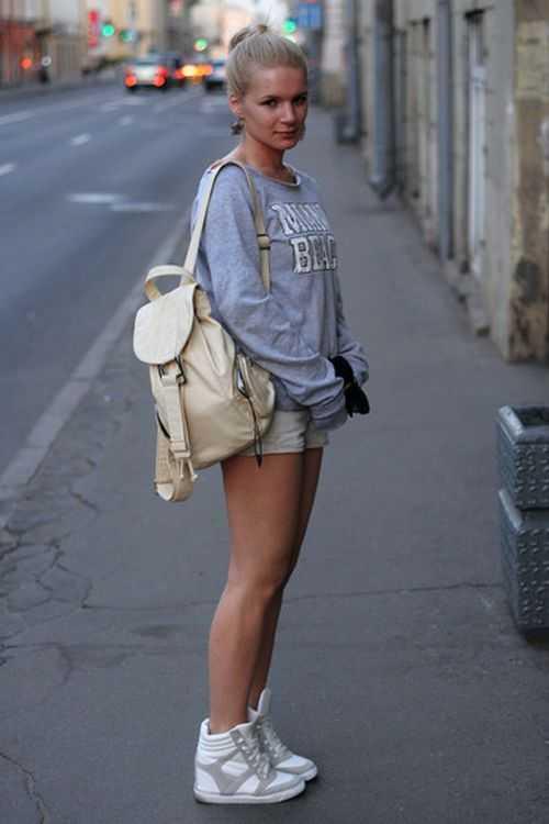 d83a3c83efdc В шортах и в кроссовках – видел сегодня парня который в шортах майке ...